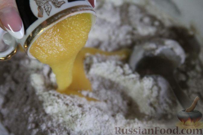 Фото приготовления рецепта: Омлет с яблоками и корицей - шаг №6