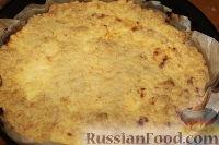Фото приготовления рецепта: Деревенский творожный пирог из песочной крошки - шаг №10