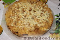 Фото приготовления рецепта: Деревенский творожный пирог из песочной крошки - шаг №11