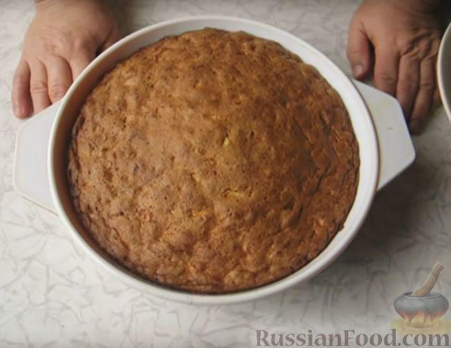 Фото приготовления рецепта: Очень простой пирог с айвой - шаг №6