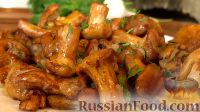 Фото к рецепту: Жареные лисички с чесноком