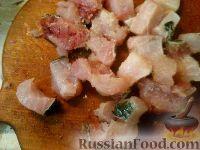 Фото приготовления рецепта: Картофель, запеченный с рыбой - шаг №3