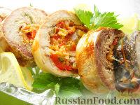 Фото к рецепту: Рулет из скумбрии с овощами