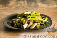 Фото к рецепту: Стрелки чеснока со свининой, по-китайски