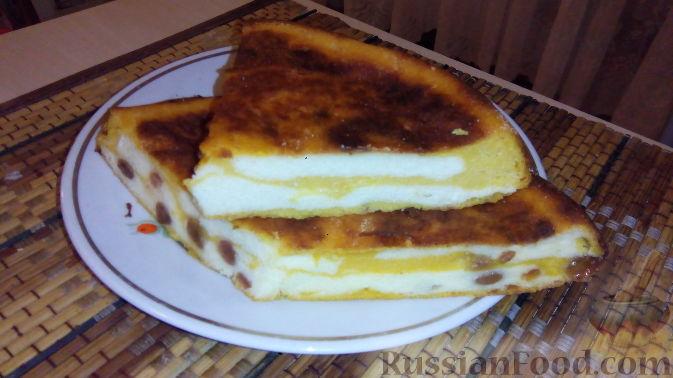 Фото приготовления рецепта: Яблочно-сливовый крамбл с овсяными хлопьями - шаг №3