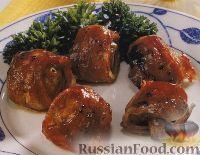 Фото к рецепту: Шампиньоны в беконе, с соусом барбекю