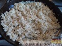 Фото приготовления рецепта: Рис на сковороде - шаг №6