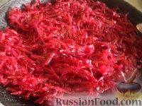Фото приготовления рецепта: Постный борщ с фасолью и черносливом - шаг №7