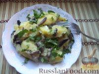 Фото к рецепту: Картофель отварной с грибами