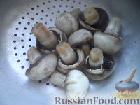 Фото приготовления рецепта: Картофель отварной с грибами - шаг №7