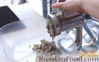 Фото приготовления рецепта: Рыбные котлеты из бычков - шаг №2