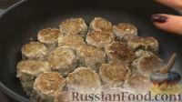 Фото приготовления рецепта: Рыбные котлеты из бычков - шаг №6