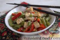 Фото приготовления рецепта: Жареный тофу с овощами - шаг №6