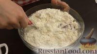 Фото приготовления рецепта: Печеночный торт с грибами - шаг №2