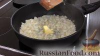Фото приготовления рецепта: Печеночный торт с грибами - шаг №9