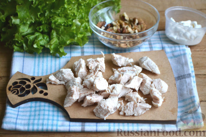 Фото приготовления рецепта: Салат по-гавайски - шаг №3