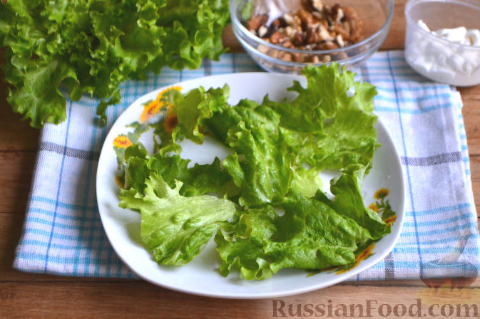 Фото приготовления рецепта: Салат по-гавайски - шаг №5