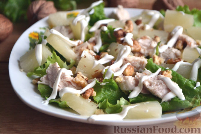 Фото приготовления рецепта: Салат по-гавайски - шаг №7
