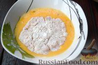 Фото приготовления рецепта: Куриный шницель из фарша - шаг №4