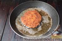Фото приготовления рецепта: Куриный шницель из фарша - шаг №7