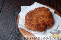 Фото приготовления рецепта: Куриный шницель из фарша - шаг №8