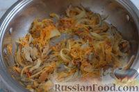 Фото приготовления рецепта: Густой грибной суп с фунчозой - шаг №3