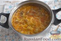 Фото приготовления рецепта: Густой грибной суп с фунчозой - шаг №5