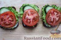 Фото приготовления рецепта: Бутерброды с сыром и овощами - шаг №7