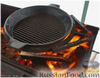 Фото приготовления рецепта: Цыплёнок таПака - шаг №11