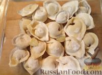 Фото приготовления рецепта: Пельмени запеченные - шаг №5