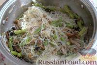 Фото приготовления рецепта: Фунчоза с вешенками - шаг №9