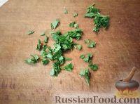 Фото приготовления рецепта: Салат из мяса курицы и ананасов - шаг №5