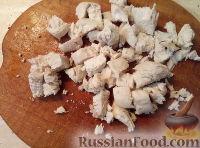 Фото приготовления рецепта: Салат из мяса курицы и ананасов - шаг №2