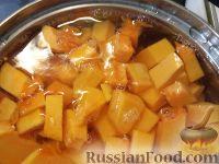 Фото приготовления рецепта: Тыква, запеченная с луком - шаг №4
