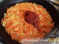 Фото приготовления рецепта: Щи из свежей капусты с рыбой - шаг №7