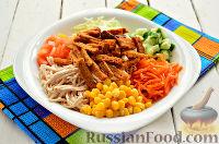 Фото к рецепту: Салат с курицей и сухариками