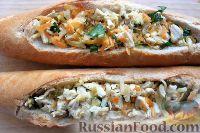 Фото приготовления рецепта: Горячие бутерброды-лодочки - шаг №5