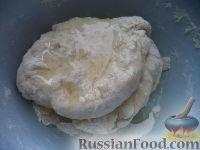Фото приготовления рецепта: Рыбник с луком - шаг №8