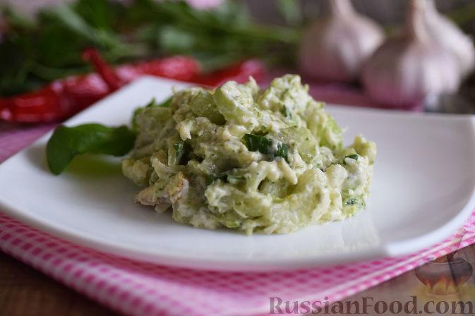 Фото к рецепту: Салат с брокколи и каштанами