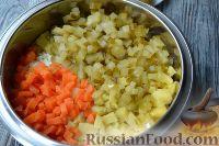 """Фото приготовления рецепта: Салат """"Праздничный оливье"""" с курицей - шаг №5"""