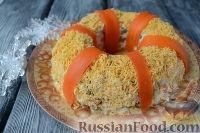 """Фото приготовления рецепта: Салат """"Праздничный оливье"""" с курицей - шаг №10"""
