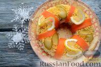 """Фото приготовления рецепта: Салат """"Праздничный оливье"""" с курицей - шаг №11"""