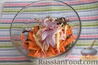 """Фото приготовления рецепта: Салат из морской капусты """"Японский"""" - шаг №4"""
