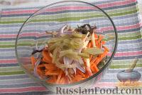 """Фото приготовления рецепта: Салат из морской капусты """"Японский"""" - шаг №5"""