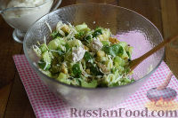 Фото приготовления рецепта: Салат с брокколи и каштанами - шаг №11
