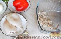 """Фото приготовления рецепта: Салат-закуска """"Петушки"""" из морепродуктов - шаг №2"""