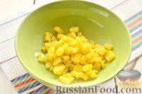 """Фото приготовления рецепта: Заливной салат """"Оливье"""" со шпротами - шаг №2"""