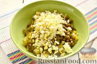 """Фото приготовления рецепта: Заливной салат """"Оливье"""" со шпротами - шаг №5"""