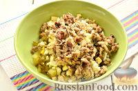 """Фото приготовления рецепта: Заливной салат """"Оливье"""" со шпротами - шаг №6"""