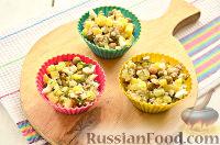 """Фото приготовления рецепта: Заливной салат """"Оливье"""" со шпротами - шаг №8"""